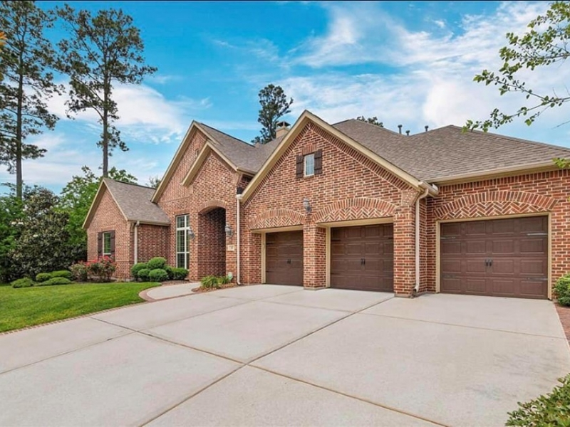 5 Bed / 4 Bath / One Floor / The Woodlands